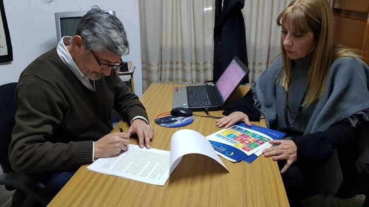 Firma de Convenio Confecciones Riojanas