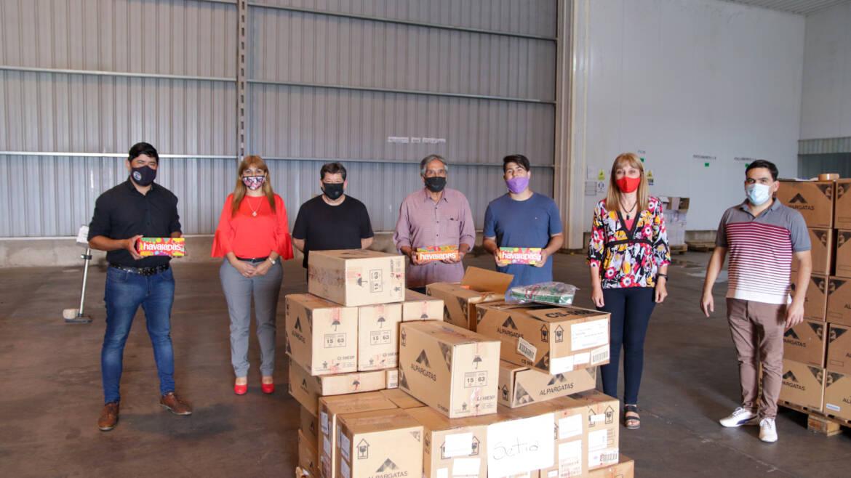Se Entregaron Lotes de Ojotas a Sindicatos Riojanos